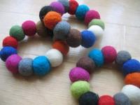 Felt_bracelet_multicolors_2