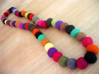 Felt_necklace_fiestamexicana