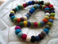 Felt_necklace_multimulti